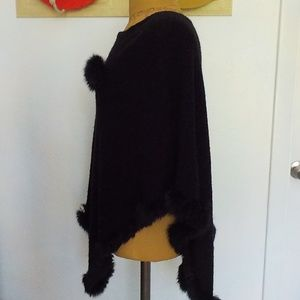 Black Lightweight Knit Poncho w/Faux Fur Trim